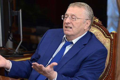 Жириновский призвал аннулировать загранпаспорт Навального