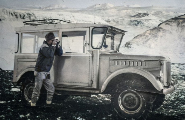 ГАЗ-69изИсландии снеобычной самодельной крышей иогромными окнами