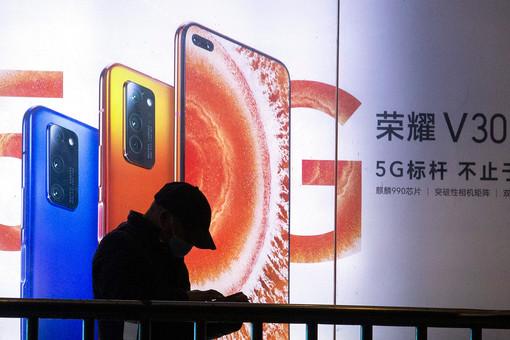 Цены икамеры назвали недостатками современных смартфонов