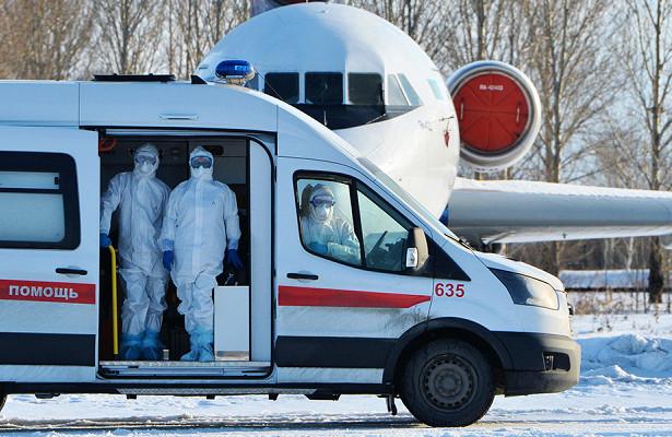 Пассажир летевшего вНовосибирск рейса умер наборту самолета