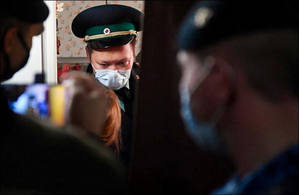 Россиянку стретьей попытки выселили изквартиры матери