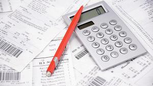 ФТС сократила поступления в бюджет на треть