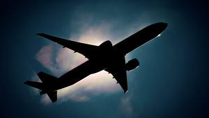 Пассажирку авиарейса вНовосибирск связали скотчем
