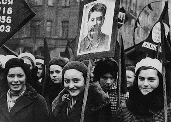 «Революционный календарь»: зачем Сталин отменил днинедели