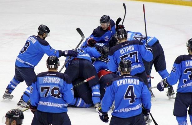 Хоккеисты «Зауралья» победили «Горняк»
