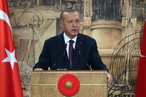 МИДТурции вызвал поверенного вделах Франции из-закарикатуры наЭрдогана