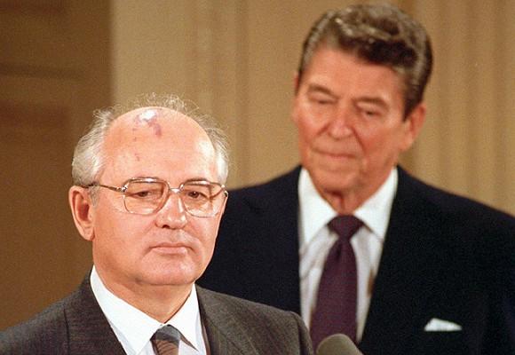 Почему наЗападе таклюбили Горбачева