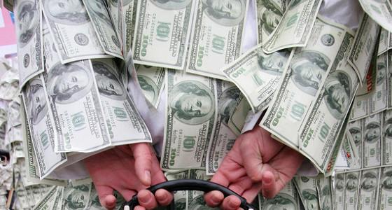 Россиян предложили освободить от налога на переоценку валютных активов
