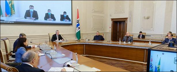 Губернатор НСОобсудил сдепутатами реализацию социальных проектов
