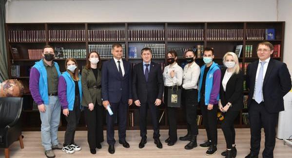 Губернатор Прикамья встретился сучастниками ипобедителями форума «iВолга»