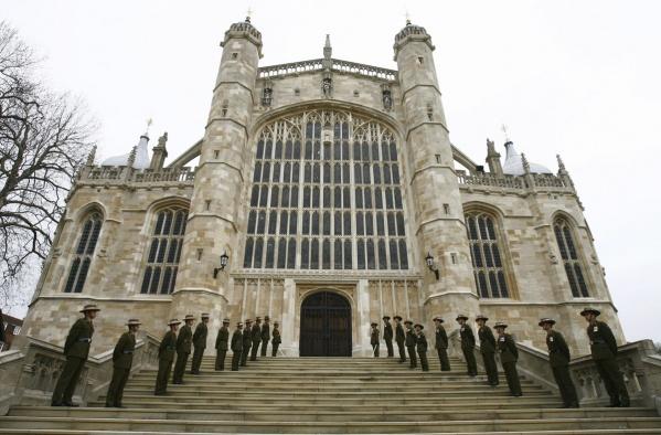 Вкоролевской семье Британии состоялась первая гей-свадьба