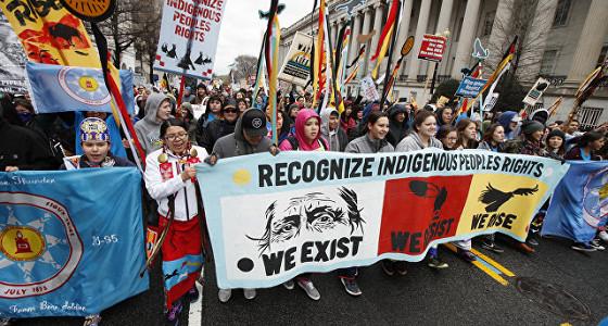 Трубопровод Dakota Access начали заполнять нефтью, несмотря на протесты