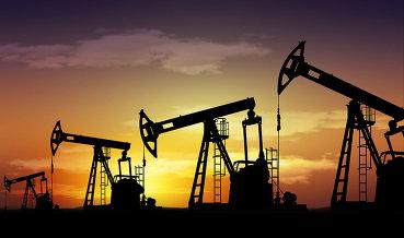 Нефть дорожает в ожидании очередного падения запасов в США