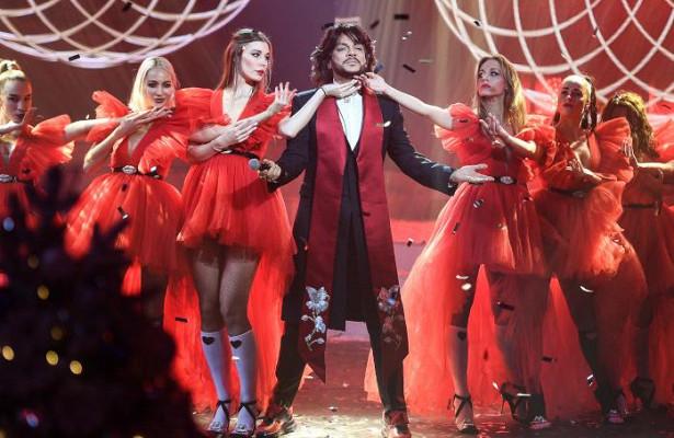 Киркоров, Лепс, Аверин нарояле изагадочный Мистер Икс: чтопокажут в«Новогоднем маскараде» наПервом канале