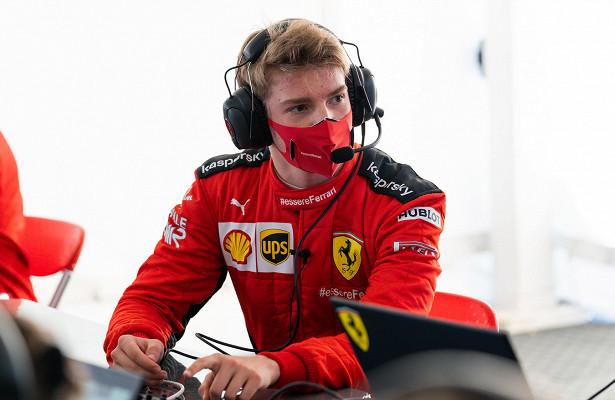 Россиянин Шварцман впервые пилотировал болид Формулы-1. Лучшие фото тестов с«Феррари»