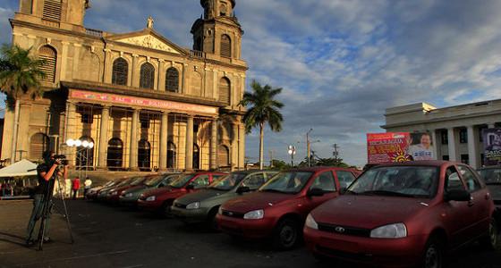 Экспорт Lada в 2015 году упадет примерно на 40%