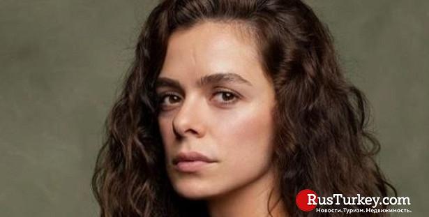 Звезда сериала «Женщина» впанике: чтопроизошло слицом актрисы