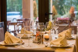 ВПариже открылся ресторан дляголых посетителей