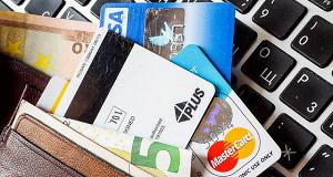 Электронные деньги уступили платежным терминалам