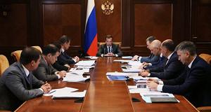 Медведев пообещал дальнейший рост МРОТ