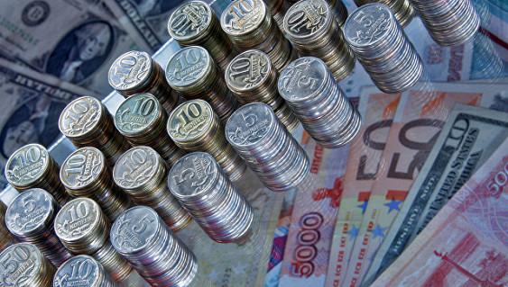 Евро поднялся выше 70 рублей
