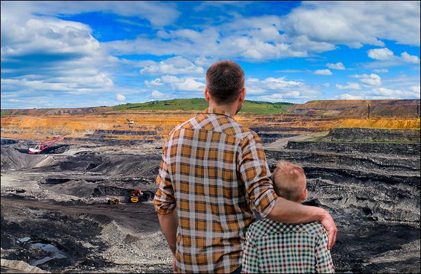 «Здесь похоронены моипредки». Почему хакасские фермеры нехотят отдавать свою землю угольному бизнесу
