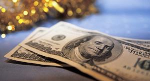 Доллар торгуется выше 66 рублей