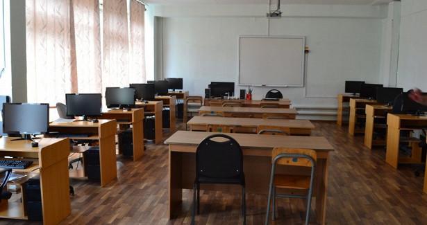 Злоумышленники «заминировали» школы Хабаровска