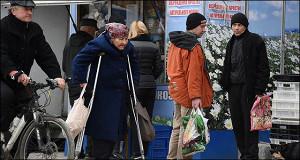 Пенсии растут наперегонки