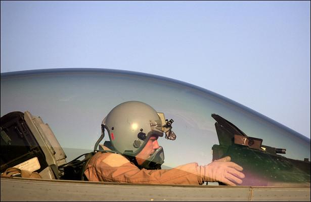 НАТО стягивает истребители надЧерным морем