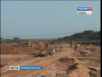Новгородские дороги, разбитые строителями трассы М-11, сделают в2018 году