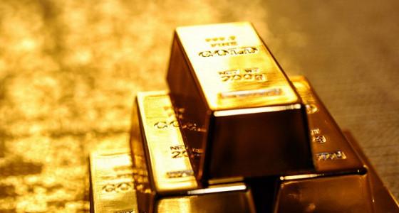 Золото продолжает дешеветь