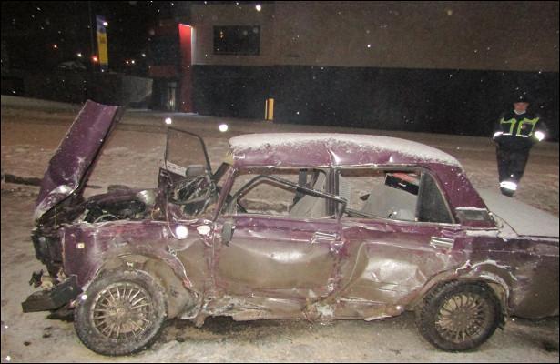 ВИжевске водитель «семерки» погиб пристолкновении строллейбусом