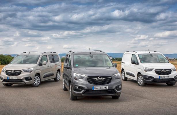 «Группа PSA» выпустит электрические версии компактных коммерческих фургонов в2021 году