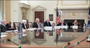 ФРС продолжает держать ставки на нуле