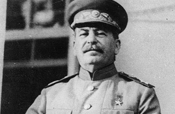 Какие политические ошибки допустил Сталин