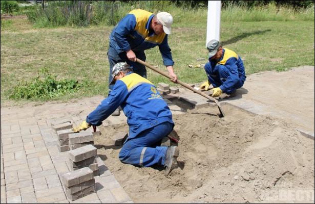 «Квадра» восстановит тротуарную плитку игазоны после ремонта теплосетей