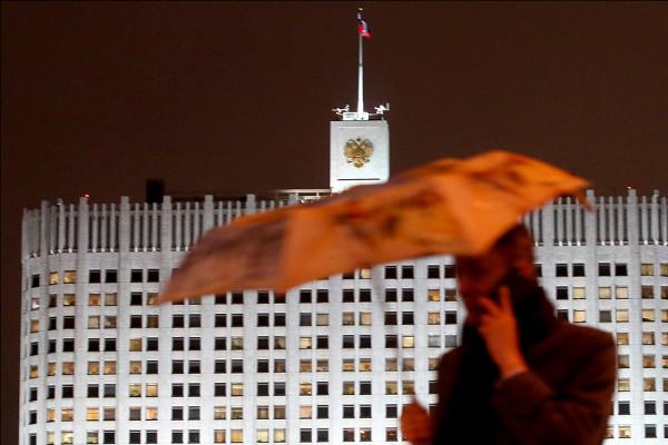 Лукашенко попросил у России еще денег и оружия