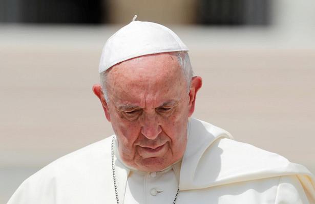 Папа римский осудил уехавших отлокдауна заграницу