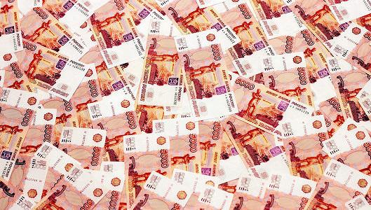 Рубль дорожает на налогах и нефти