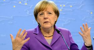 Меркель высказалась за сохранение Греции в зоне евро