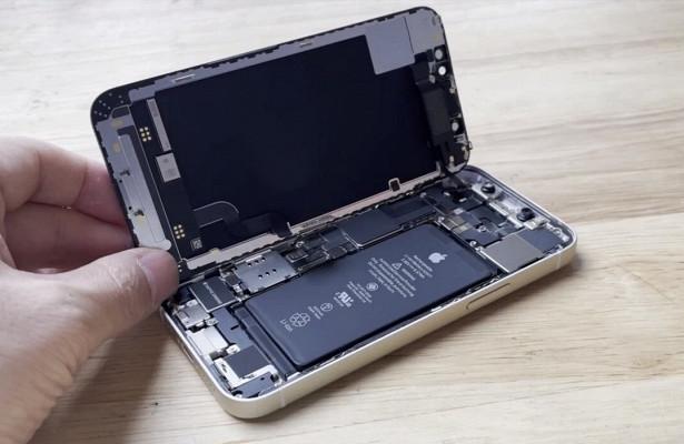 iPhone 12mini вскрыли