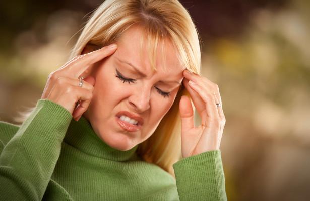 Духота иголод: нестандартные причины головной боли назвал врач