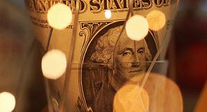 Биржевой курс евро опустился ниже 74 руб.