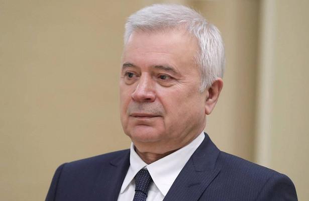 Алекперов стал самым обедневшим загодроссийским миллиардером