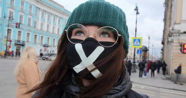 Петербург продлил ограничения поCOVID