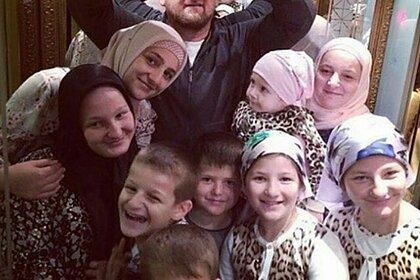 Сотни улиц вЧечне оказались названы вчесть Кадырова иегородственников