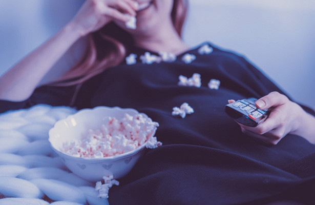 Киноканикулы-2021. Какие новые фильмы исериалы посмотреть нановогодних каникулах?
