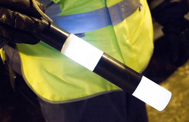 Калужские автоинспекторы спасли замерзающего ипомогли починить двефуры
