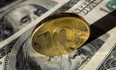 Треть жителей России ожидает дальнейшего ослабления курса рубля